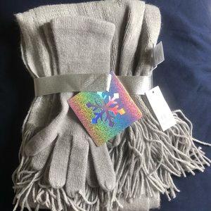 New York & Company Scarf/Glove Set
